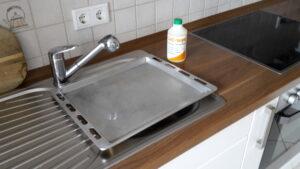 Limorange Backblech mit Wasser